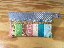 Artist's zipper pouch