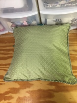 Decorative pillow with lip cord